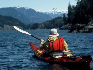 Kayaker on his way to the lodge